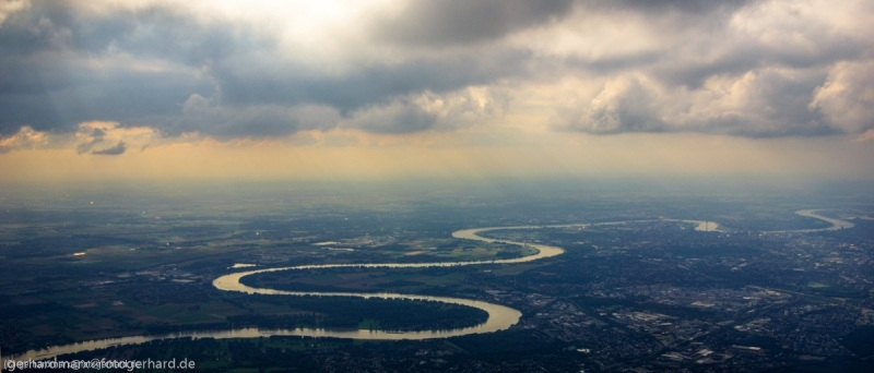 Rheinknie bei Düsseldorf