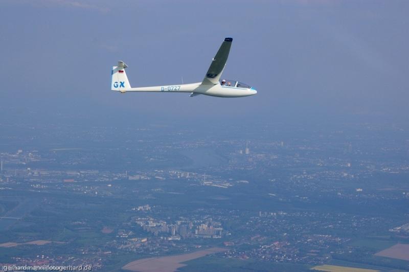 Golf X über Köln