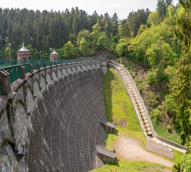 Staumauer Sengbachtalsperre